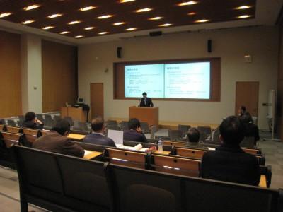 今年度2回目の院生研究報告会を開催いたしました。(大ホール)