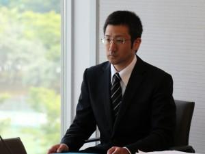博士後期課程の第一号の修了者となった小野英一さん